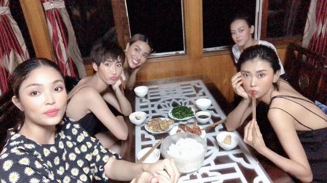 Dàn mẫu và đạo diễn lên tiếng sau ồn ào người mẫu Việt tố bị đối xử tệ, chịu khát - 4