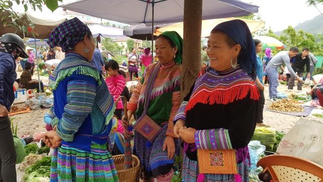 Nét nguyên sơ mang đậm bản sắc dân tộc ở phiên chợ lớn nhất Tây Bắc - 3