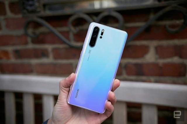 Điện thoại Huawei liệu có bị hoá thành cục gạch? - 1