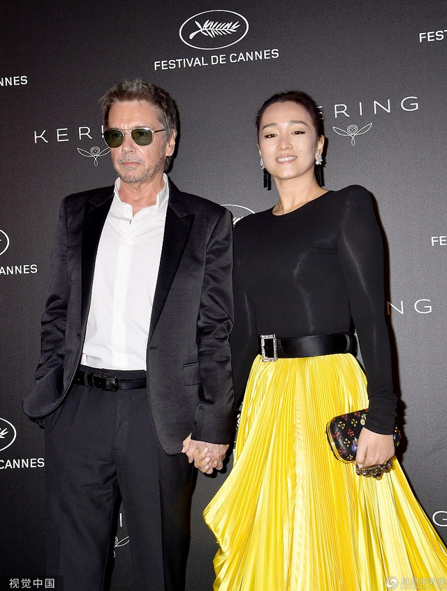 Vợ chồng Củng Lợi hạnh phúc sánh đôi tại LHP Cannes 2019 - 2
