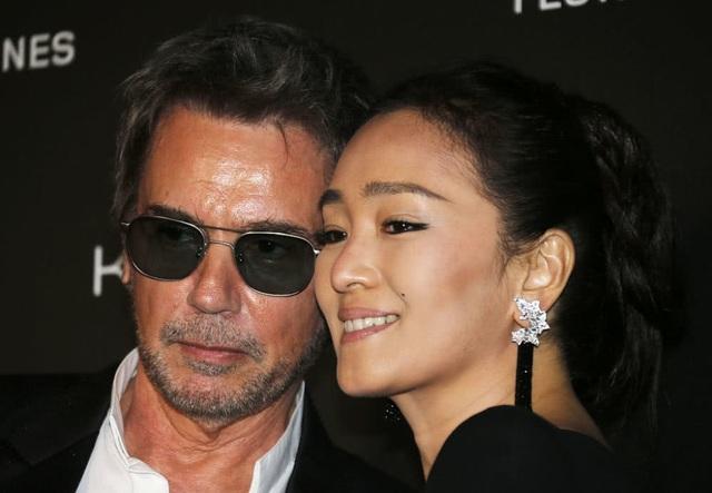 Vợ chồng Củng Lợi hạnh phúc sánh đôi tại LHP Cannes 2019 - 3
