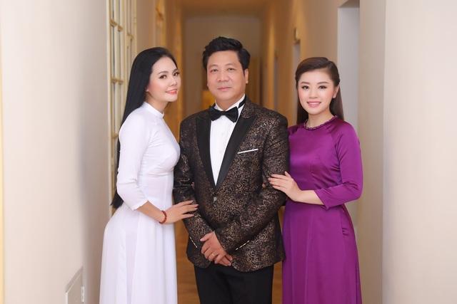Lương Nguyệt Anh diện áo dài trắng tinh khôi hát mừng sinh nhật Bác - 3