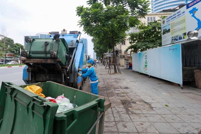 Hà Nội: Trang bị nhà ở di động cho xe đẩy rác trên nhiều tuyến phố - 11