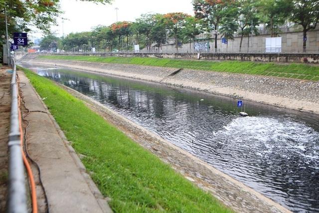 Cận cảnh đoạn sông Tô Lịch sau 3 ngày dùng công nghệ Nhật - 6