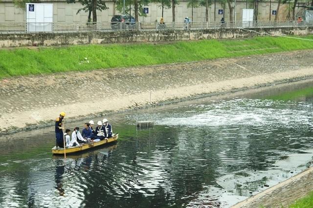 Cận cảnh đoạn sông Tô Lịch sau 3 ngày dùng công nghệ Nhật - 1