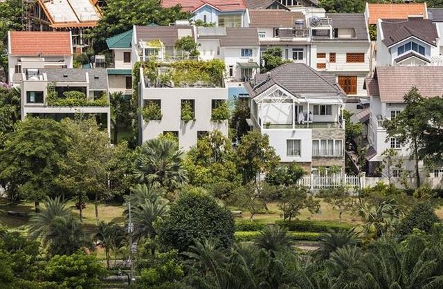 """""""Trốn"""" nóng trong ngôi nhà phủ kín cây xanh ở Sài Gòn - 1"""