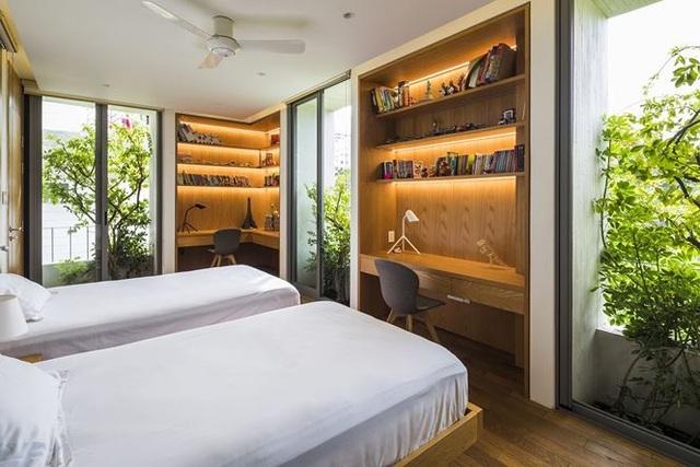 """""""Trốn"""" nóng trong ngôi nhà phủ kín cây xanh ở Sài Gòn - 7"""