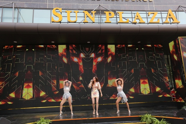 TTTM Sun Plaza Thụy Khuê hút khách ngày khai trương - 1