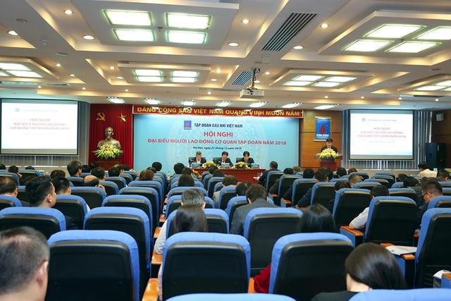 Lãnh đạo Tập đoàn PVN đối thoại với người lao động - 1