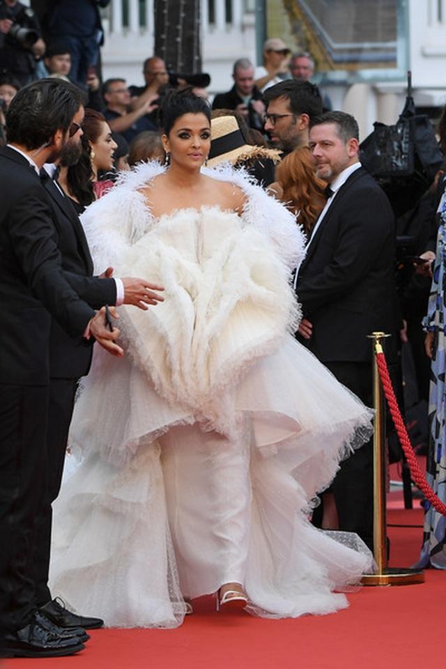Hoa hậu đẹp nhất trong các hoa hậu lộng lẫy tại Cannes - 4
