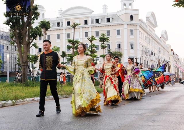 """Bích Phương và bikini show """"bỏ bùa"""" khán giả Hạ Long tại Sun Dance Festival - 1"""