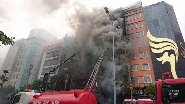 Đề nghị giải tán cửa hàng sửa xe máy phun lửa ở chung cư - 2