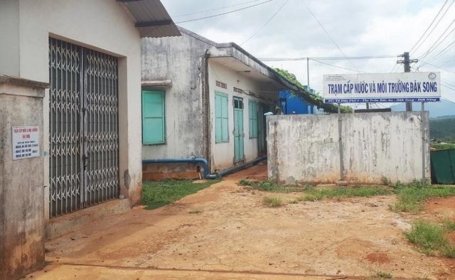 """Đắk Nông: Không ký tiếp hợp đồng thu gom rác, người dân bị """"phạt"""" cắt luôn nước sạch! - 1"""