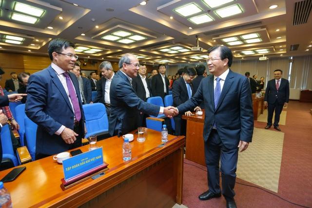 Phó Thủ tướng Trịnh Đình Dũng làm việc, chúc mừng năm mới Tập đoàn Dầu khí Việt Nam - 1