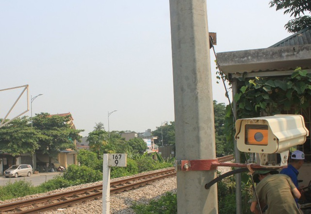 Lắp thử nghiệm radar phát hiện chướng ngại vật trên đường sắt - 1