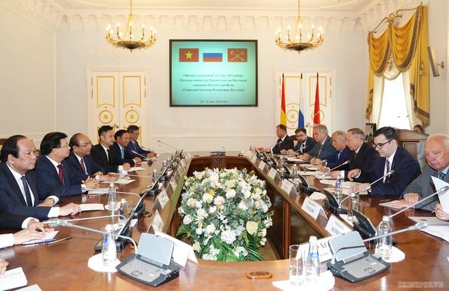 Thủ tướng Nguyễn Xuân Phúc hội kiến Quyền Thống đốc Saint Petersburg - 1