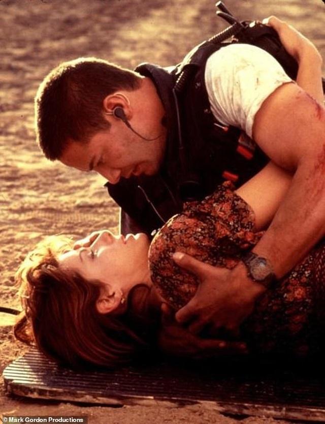 """Sau 25 năm, sao phim """"Tốc độ"""" mới dám thổ lộ tình cảm - 2"""