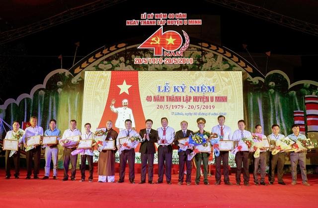 Chủ tịch tỉnh Cà Mau tặng bằng khen Văn phòng đại diện và phóng viên báo Dân trí tại ĐBSCL - 1