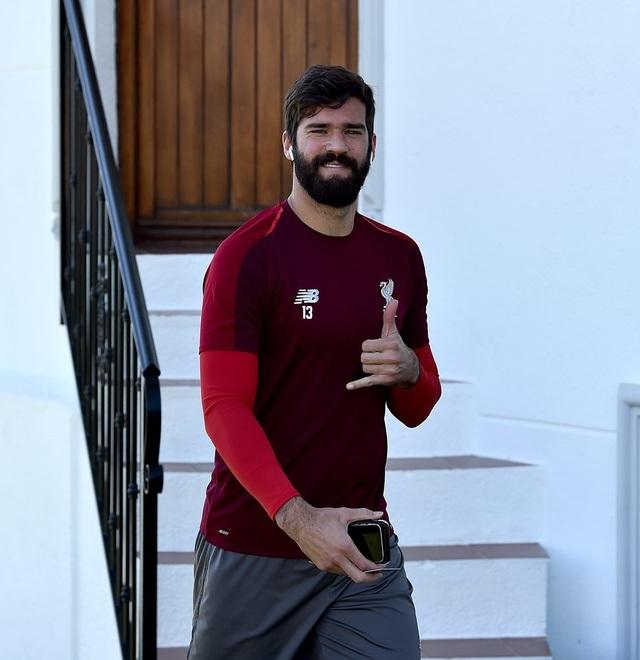 Liverpool nhanh chóng tập luyện sau khi tới Tây Ban Nha - 3
