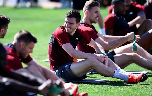 Liverpool nhanh chóng tập luyện sau khi tới Tây Ban Nha - 7
