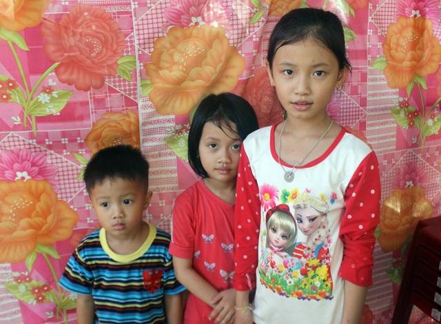 Vợ bỏ đi, người cha mắc bệnh lao nuôi 3 con thơ dại trong nhà tạm rách nát - 5
