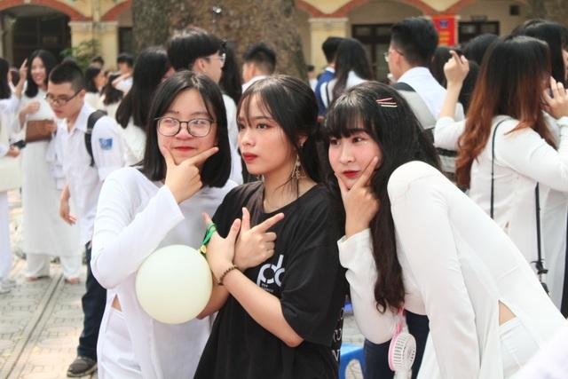 Những nữ sinh xinh đẹp, dễ thương trường Phan Đình Phùng ngày bế giảng - 11