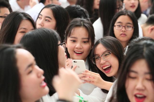 Những nữ sinh xinh đẹp, dễ thương trường Phan Đình Phùng ngày bế giảng - 8