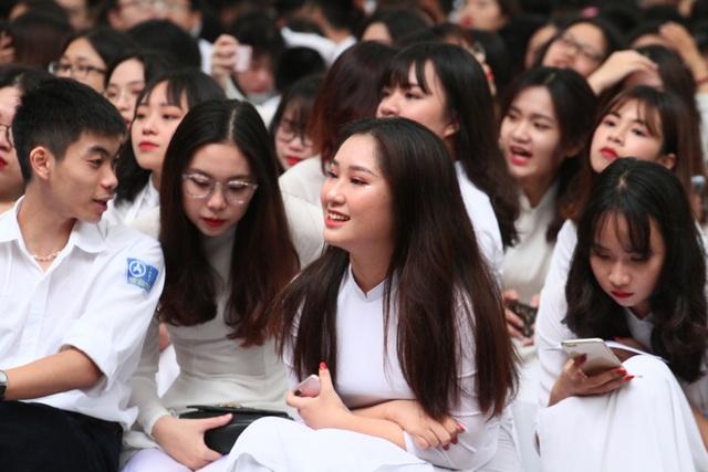 Những nữ sinh xinh đẹp, dễ thương trường Phan Đình Phùng ngày bế giảng - 2