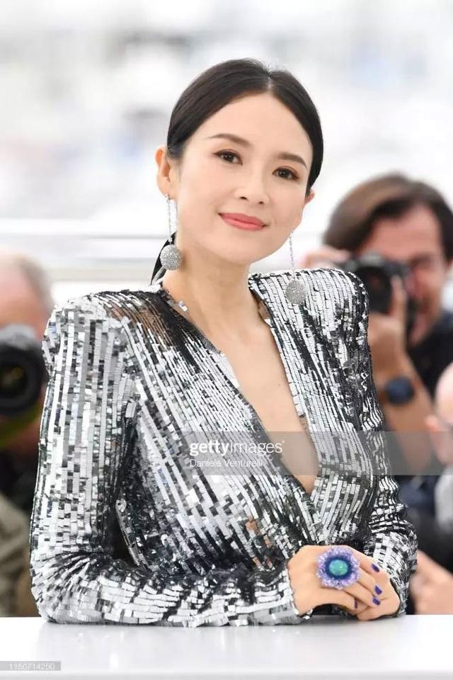 Thần thái đỉnh cao, Chương Tử Di tiếp tục tỏa sáng tại Cannes - 10
