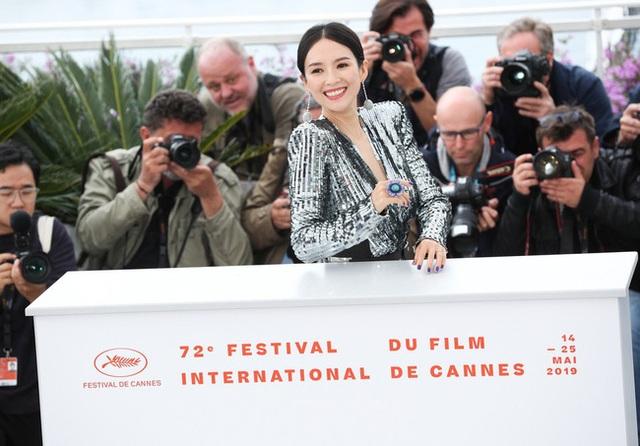Thần thái đỉnh cao, Chương Tử Di tiếp tục tỏa sáng tại Cannes - 22