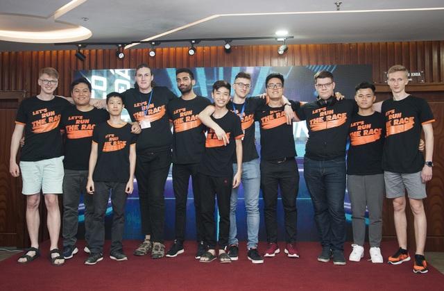 Sinh viên nước ngoài háo hức tham dự cuộc đua xe tự hành tổ chức tại Việt Nam - 1