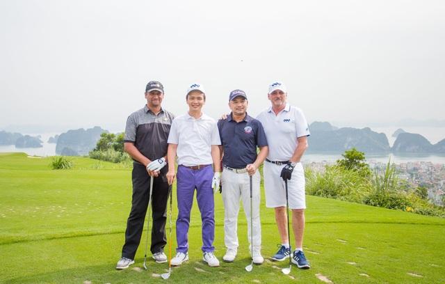Đại sứ Anh lần đầu chơi golf tại Việt Nam - 3