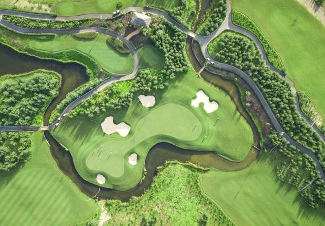 Đại sứ Anh lần đầu chơi golf tại Việt Nam - 4