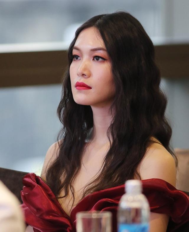 """Hoa hậu Thùy Dung: """"Tôi thấy bản thân ngu quá khi đánh mất nhiều cơ hội"""" - 3"""