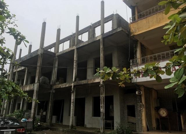 Nhà trường khốn khổ vì công trình xây dựng dở dang suốt nhiều năm - 2