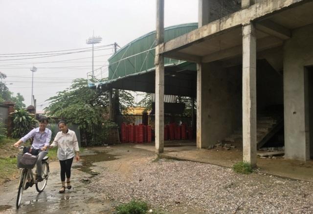 Nhà trường khốn khổ vì công trình xây dựng dở dang suốt nhiều năm - 8