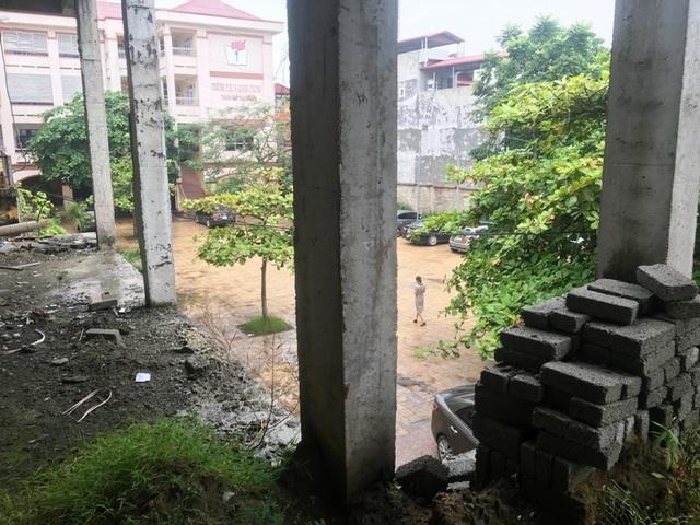 Nhà trường khốn khổ vì công trình xây dựng dở dang suốt nhiều năm - 12
