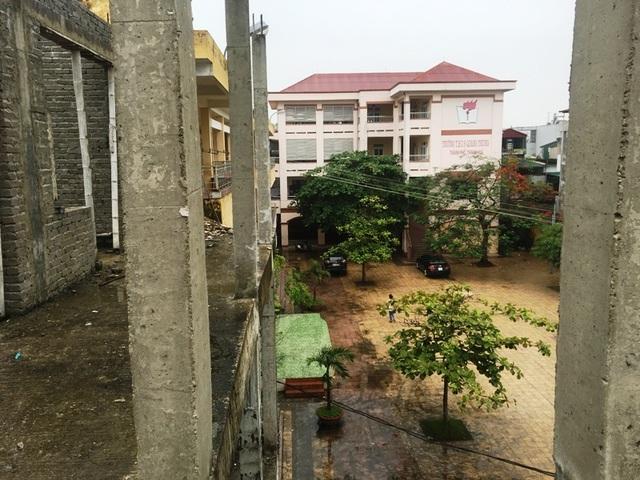 Nhà trường khốn khổ vì công trình xây dựng dở dang suốt nhiều năm - 5