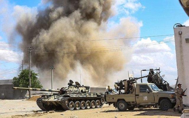 Libya trên bờ vực nội chiến với nguy cơ chia cắt đất nước vĩnh viễn - 1