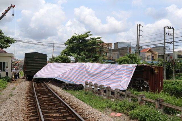 Vụ tàu trật bánh ở Nam Định: Chất lượng đường ray không đảm bảo - 1