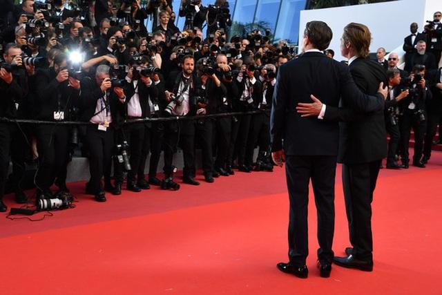 Brad Pitt lịch lãm bên Leonardo DiCaprio - 9