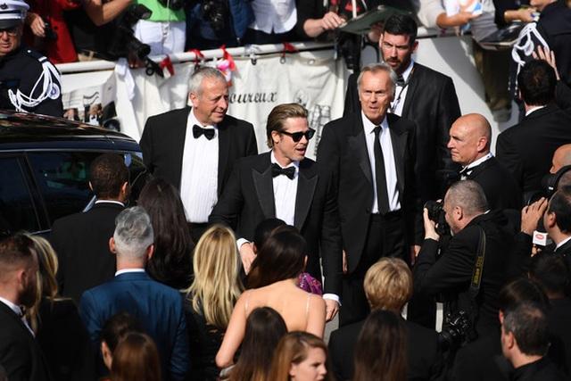 Brad Pitt lịch lãm bên Leonardo DiCaprio - 1