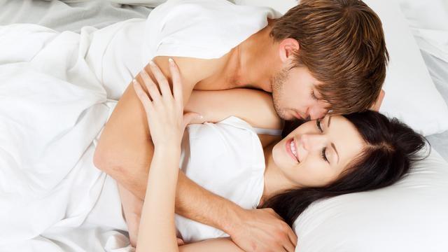 """Phụ nữ Việt thích lấy chồng Tây: Ham """"của lạ"""" hay đàn ông ta quá kém? - 1"""