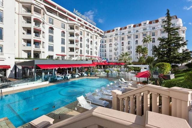 Khách sạn tổ chức LHP Cannes: Phục vụ 2 tấn tôm hùm, 18.000 chai rượu - 1