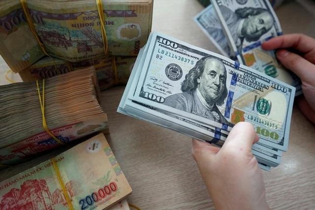 """Thương vụ """"tỷ đô"""" của ông Phạm Nhật Vượng giúp """"đỡ tỷ giá"""" USD/VND? - 1"""