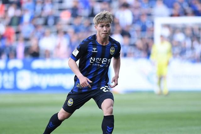 Tân HLV Incheon United nhận xét thẳng thắn về điểm yếu của Công Phượng - 1