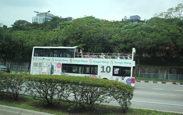 Sắp có tuyến xe 2 tầng mui trần chở khách du ngoạn quanh TPHCM - 1