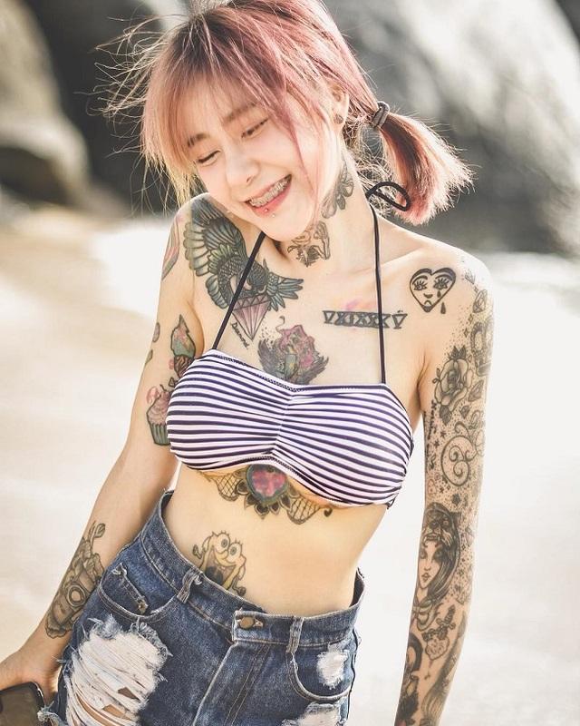 3 kiều nữ xăm Thái Lan: Mặt xinh như búp bê, da dính mực vẫn đẹp nuột nà - 15