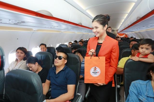 """Hãng hàng không đầu tiên ở Việt Nam nhảy """"trình diễn"""" an toàn bay trên không - 5"""