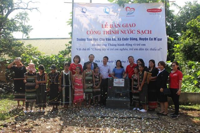 Bàn giao hệ thống nước sạch cho học sinh đồng bào dân tộc thiểu số ở Tây Nguyên - 1